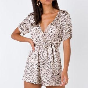 Princess Polly NWT// The Theo Playsuit Beige